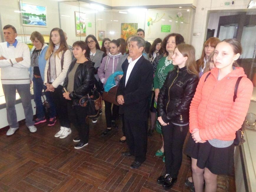 Буйство красок в каждом мазке кисти: в Красноармейске представили художественную выставку «Весенний вернисаж» (фото) - фото 9