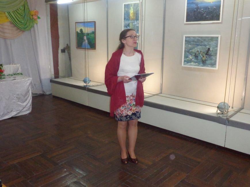 Буйство красок в каждом мазке кисти: в Красноармейске представили художественную выставку «Весенний вернисаж» (фото) - фото 15