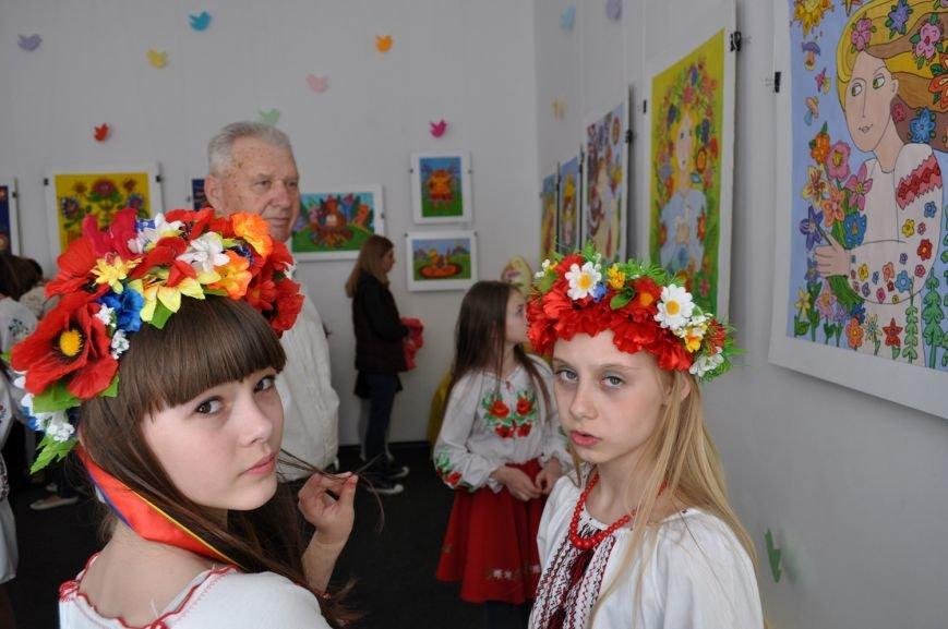 Виставка, присвячена весні та Великодню, відкрилася у Черкасах (ФОТО) (фото) - фото 1