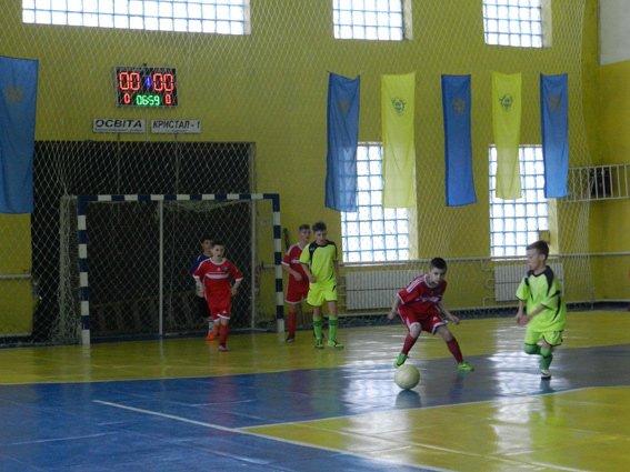Почти две тысячи юных спортсменов приняли участие в соревнованиях по футзалу (фото) (фото) - фото 2