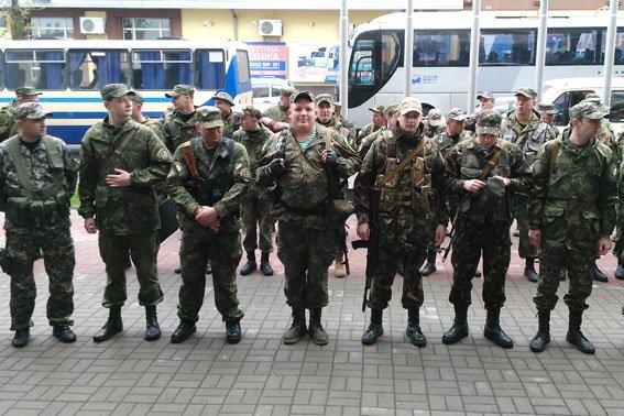 Полицейские Кременчуга и Полтавы отправились на восток Украины (ФОТО) (фото) - фото 1
