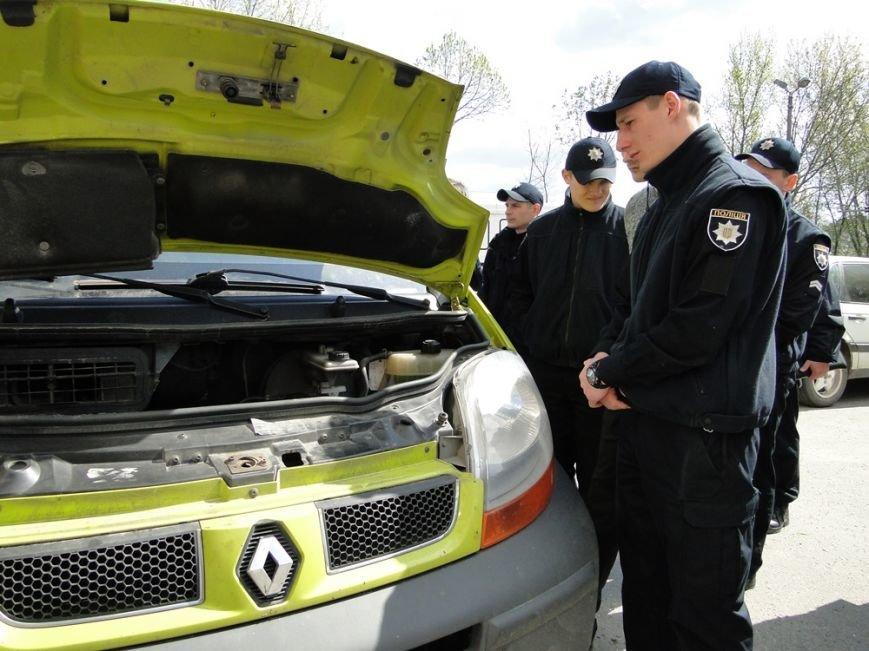 Хмельницькі патрульні поліцейські провели перші спільні навчання з РСЦ МВС (Фото) (фото) - фото 1
