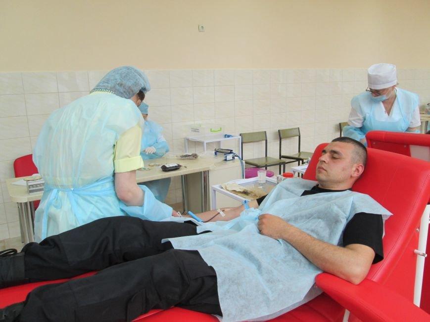 13518d0f045419788469a6bb310d01ad Одесским полицейским пустили кровь