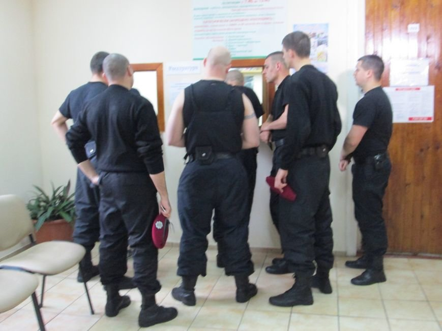 cb17b355eca76779bc48a754be58b917 Одесским полицейским пустили кровь