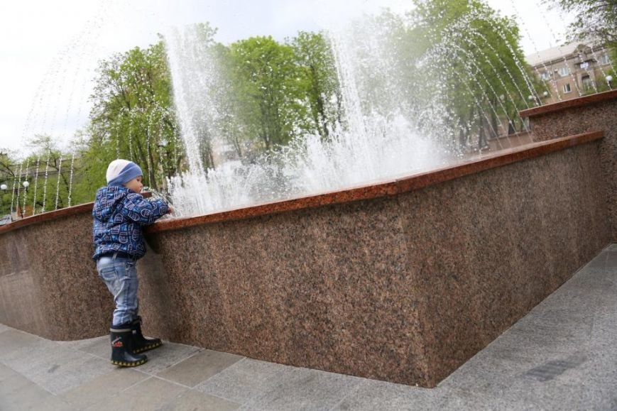 Ура! Кременчугский светомузыкальный фонтан уже «проснулся» от зимней спячки, фото-6