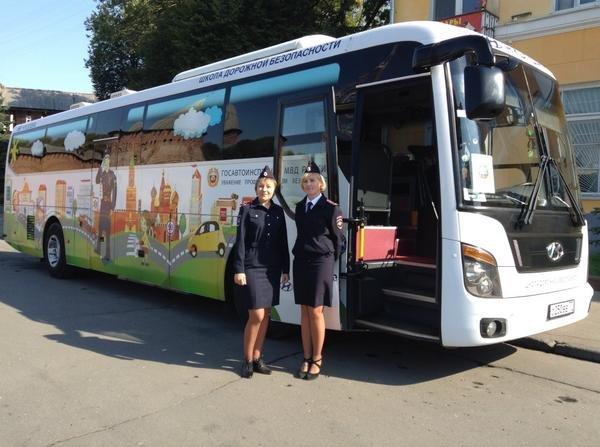 Автобус-тренажер будет курсировать по Витебской области: акция «Школа дорожной безопасности» стартует 20 апреля (фото) - фото 1