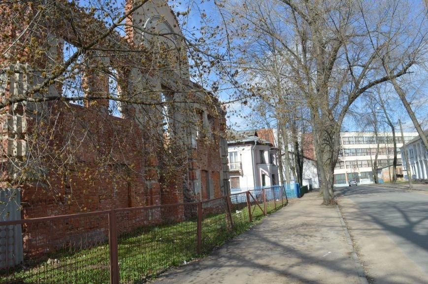 Полуразрушенные исторические здания в районе железнодорожного вокзала в Витебске., фото-4
