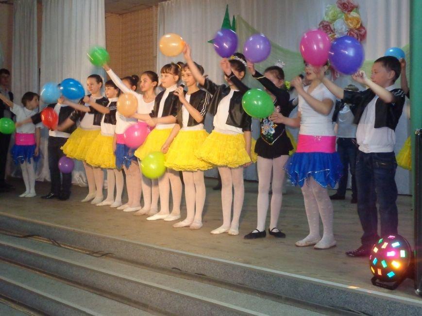 Быть здоровым очень просто: в Красноармейске завершился фестиваль аматорского творчества «Твоя жизнь – в твоих руках» (фото) - фото 8