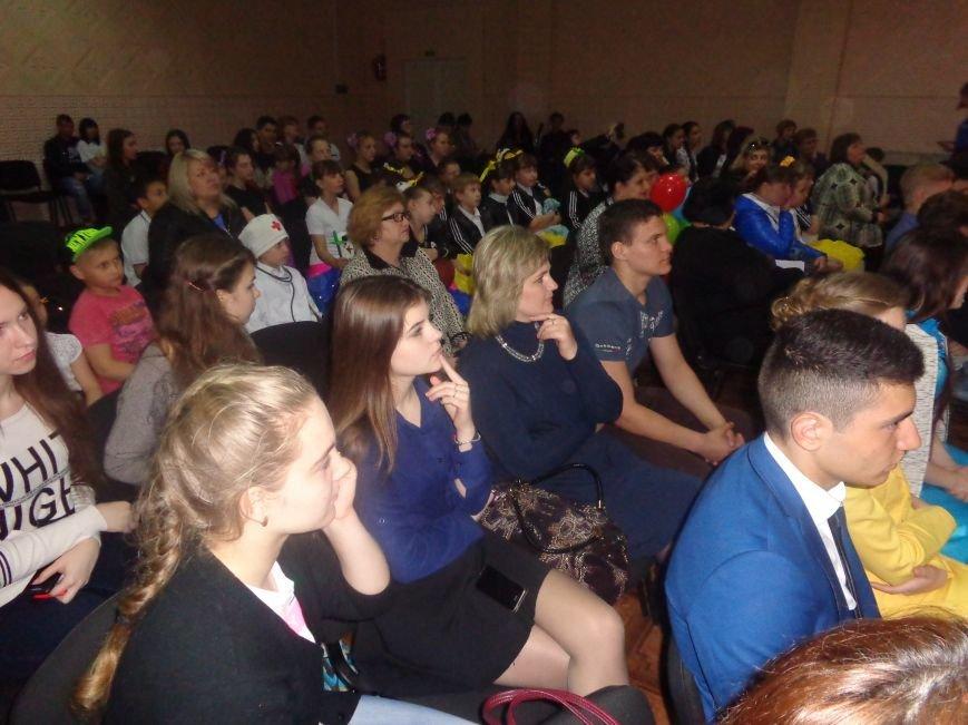 Быть здоровым очень просто: в Красноармейске завершился фестиваль аматорского творчества «Твоя жизнь – в твоих руках» (фото) - фото 1