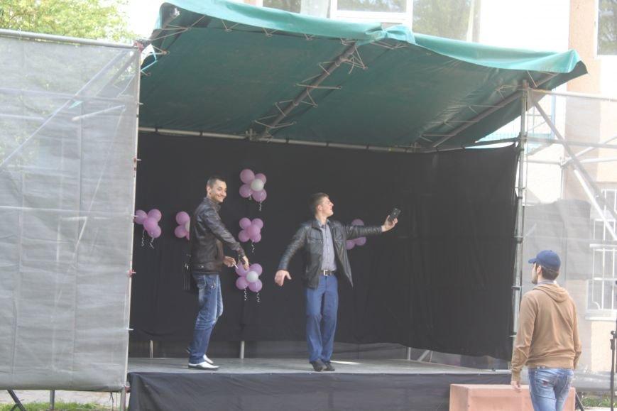 В Ужгороді курять на сцені фестивалю, фото-1