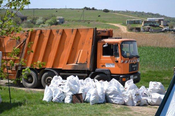 Разгребая горы мусора: одесситы сделают свой город чище и наряднее (ФОТО) (фото) - фото 14