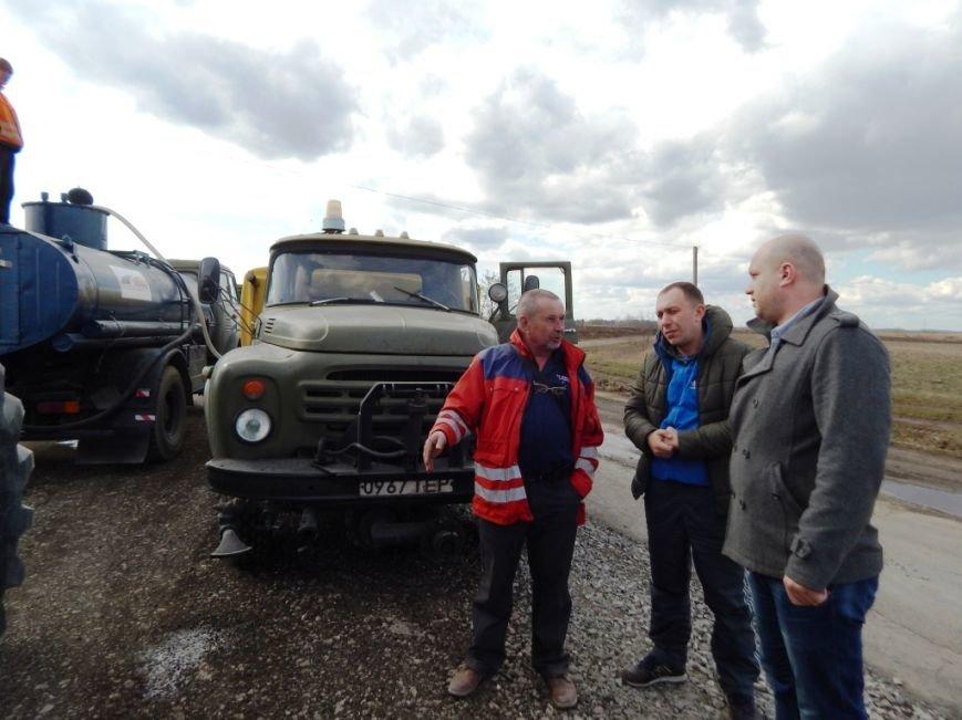 На Тернопільщині громадські активісти контролюють ремонт доріг (фото) (фото) - фото 1
