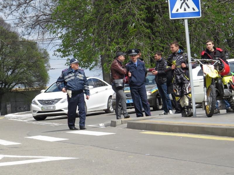 На дорогах Мариуполя появились байкеры (ФОТОРЕПОРТАЖ+ВИДЕО), фото-19