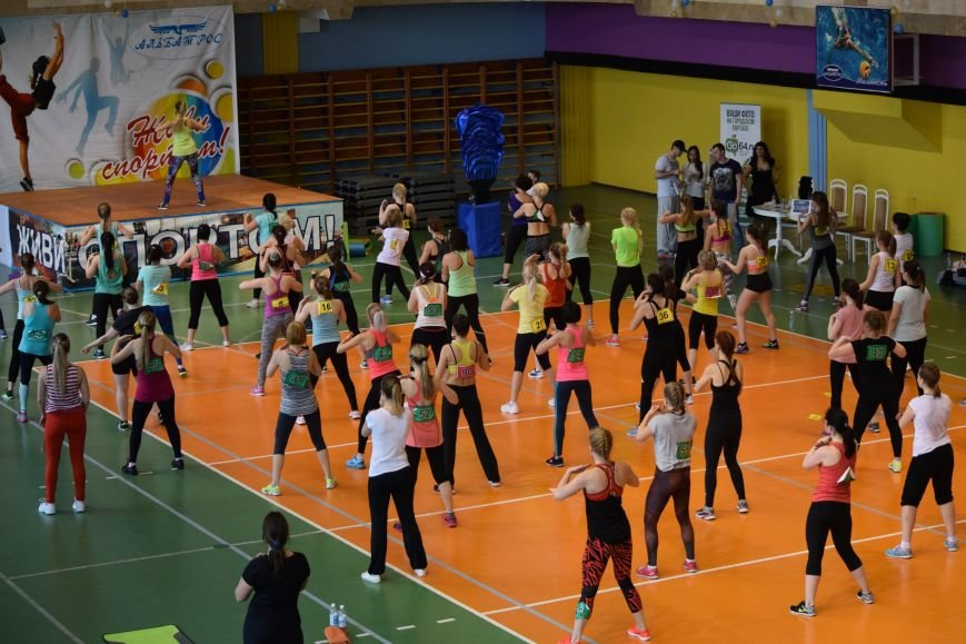 Балаковцы приняли участие в соревновательном марафоне по фитнесу (фото) - фото 4