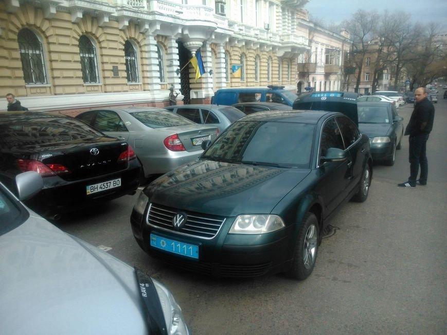"""29ae289f7de19097999b3d907f57ae4d Активисты """"Дорожного контроля"""" собрали коллекцию нарушений полицейскими в Одессе правил парковки"""