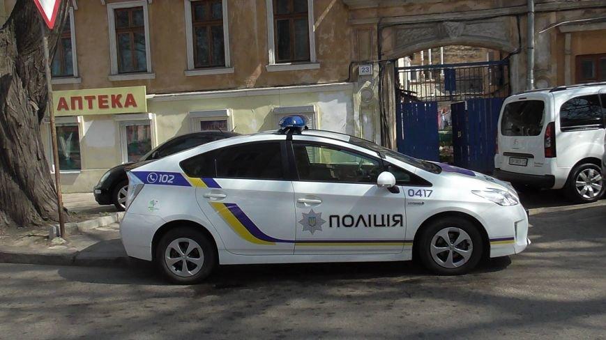 """6e6f0499bc98d06377448a89b2045b3e Активисты """"Дорожного контроля"""" собрали коллекцию нарушений полицейскими в Одессе правил парковки"""