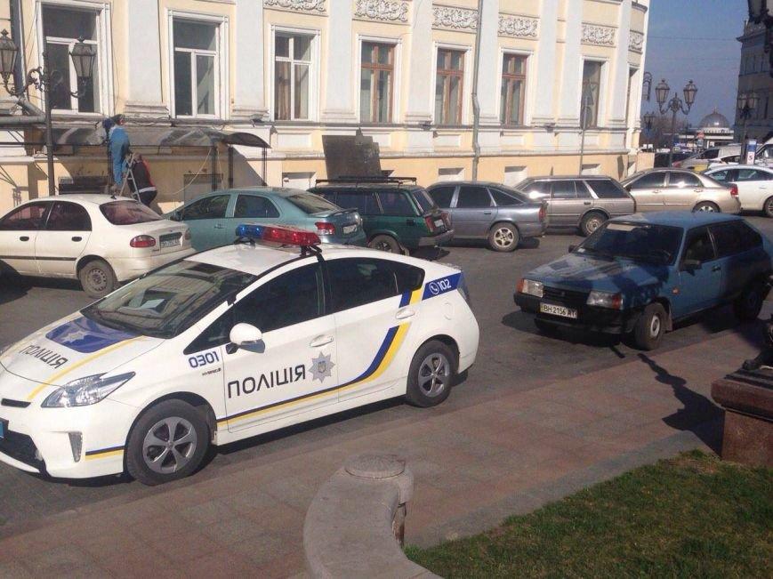 """78d741c564676593ffe7af90ade0760a Активисты """"Дорожного контроля"""" собрали коллекцию нарушений полицейскими в Одессе правил парковки"""