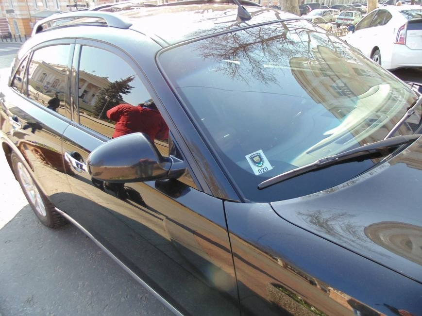 "beed86fd7e708fdb9581d6dd31e53dbc Активисты ""Дорожного контроля"" собрали коллекцию нарушений полицейскими в Одессе правил парковки"