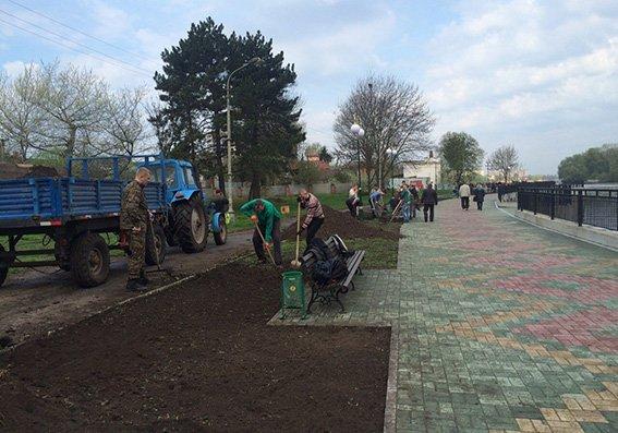 Фотозвіт: День довкілля у Хмельницькому (Фото) (фото) - фото 1