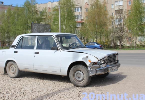 У Тернополі сталася ДТП за участю поліцейських (Фото) (фото) - фото 1