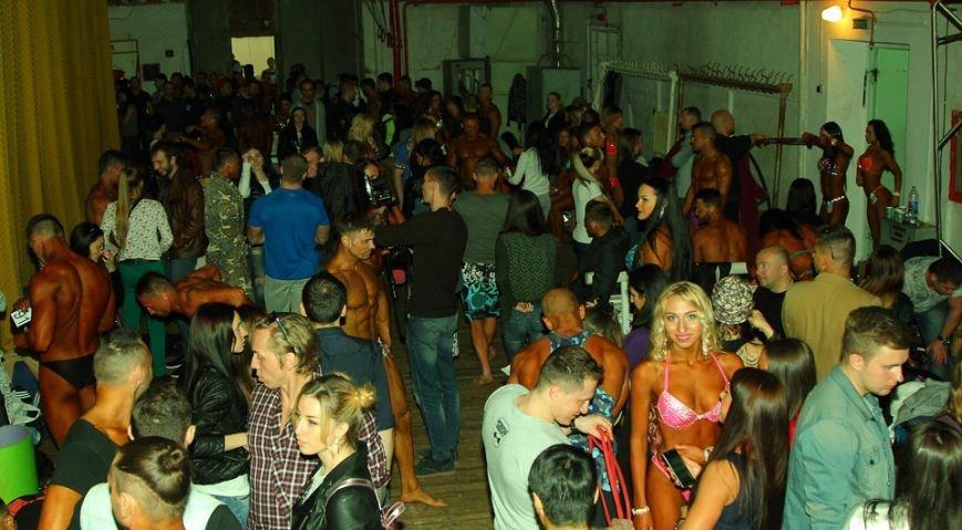 Горы мышц и красавицы в бикини: в Днепре прошел кубок по бодибилдингу и фитнесу (ФОТО, ВИДЕО), фото-38