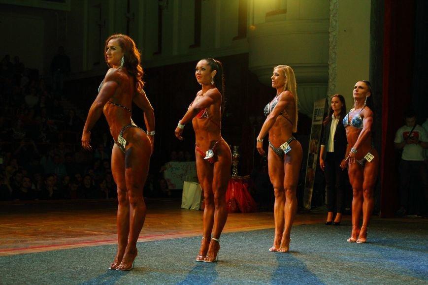 Горы мышц и красавицы в бикини: в Днепре прошел кубок по бодибилдингу и фитнесу (ФОТО, ВИДЕО), фото-36