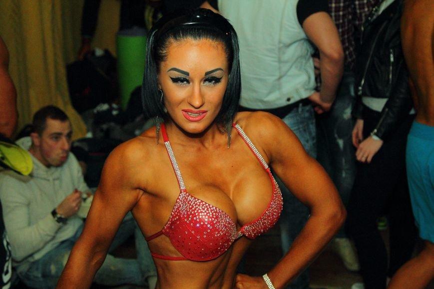 Горы мышц и красавицы в бикини: в Днепре прошел кубок по бодибилдингу и фитнесу (ФОТО, ВИДЕО), фото-37