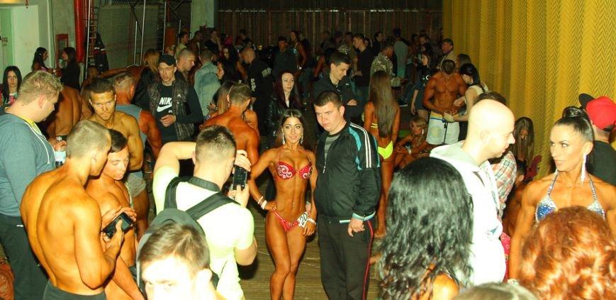 Горы мышц и красавицы в бикини: в Днепре прошел кубок по бодибилдингу и фитнесу (ФОТО, ВИДЕО), фото-33