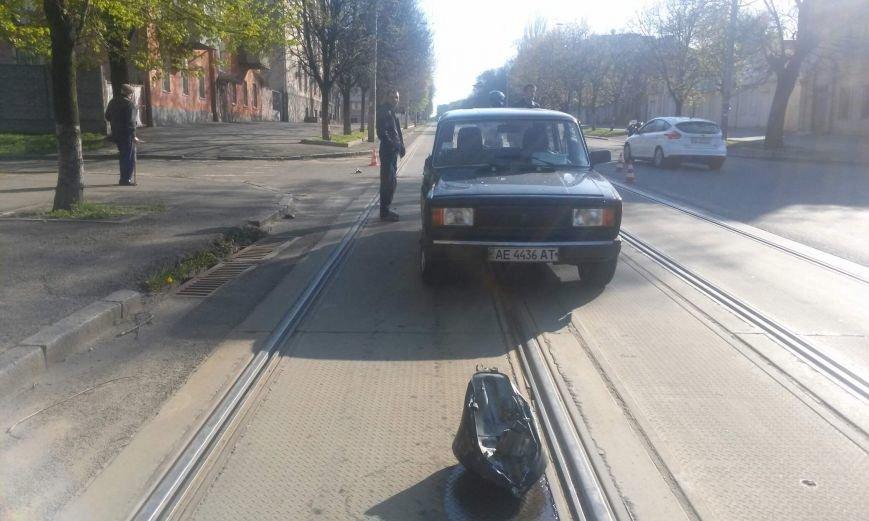 ДТП на перекрестке Грушевского и Петлюры: столкнулись ВАЗ и «ВЕНОМ» (фото) - фото 4