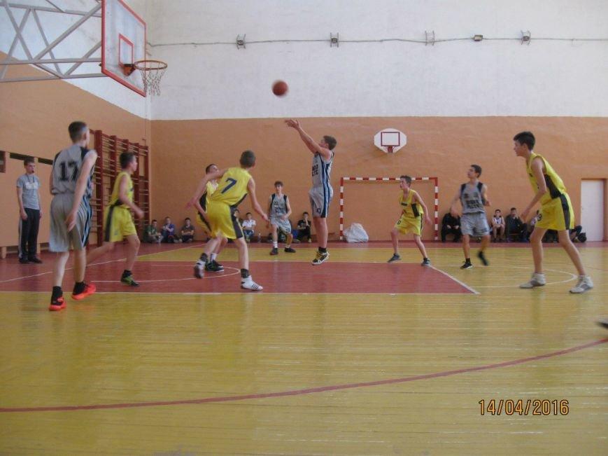 Добропольские баскетболисты- участники Чемпионата области (фото) - фото 1