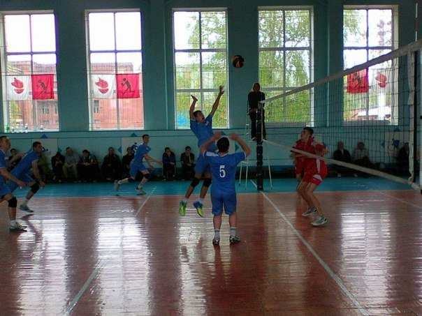Волейболисты из Красноармейска (Покровска) «показали класс» на Чемпионате Донецкой области (фото) - фото 1