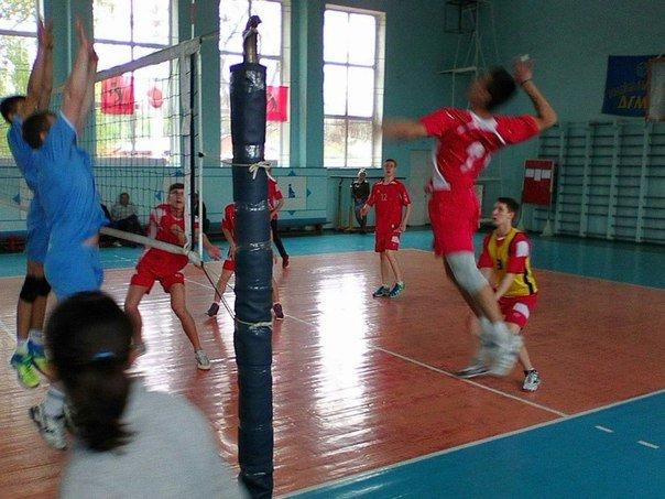 Волейболисты из Красноармейска (Покровска) «показали класс» на Чемпионате Донецкой области (фото) - фото 2