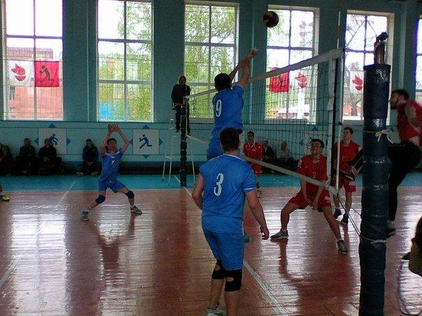 Волейболисты из Красноармейска (Покровска) «показали класс» на Чемпионате Донецкой области (фото) - фото 3