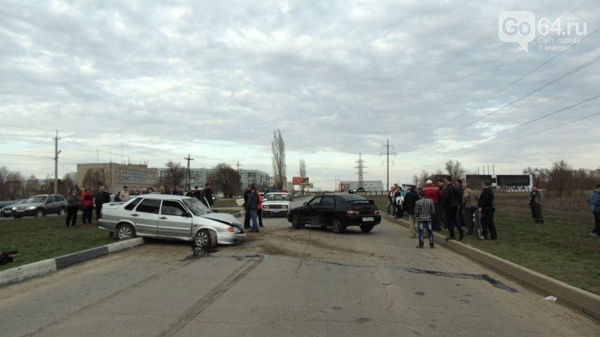 Появилось видео ДТП 13 апреля на Саратовском шоссе в Балаково(ФОТО, ВИДЕО) (фото) - фото 2
