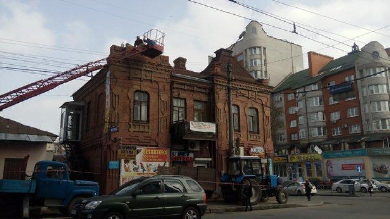 У Хмельницькому «відновили» фасад історичної будівлі на Подільській (Фото) (фото) - фото 1