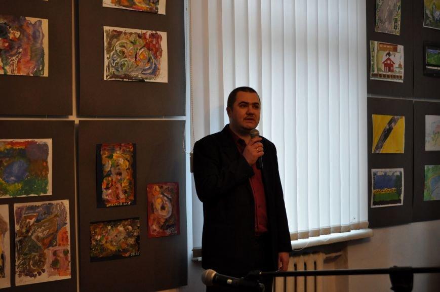 «Мистецтво жити» – виставка робіт воїнів АТО у Черкасах (ФОТО), фото-3