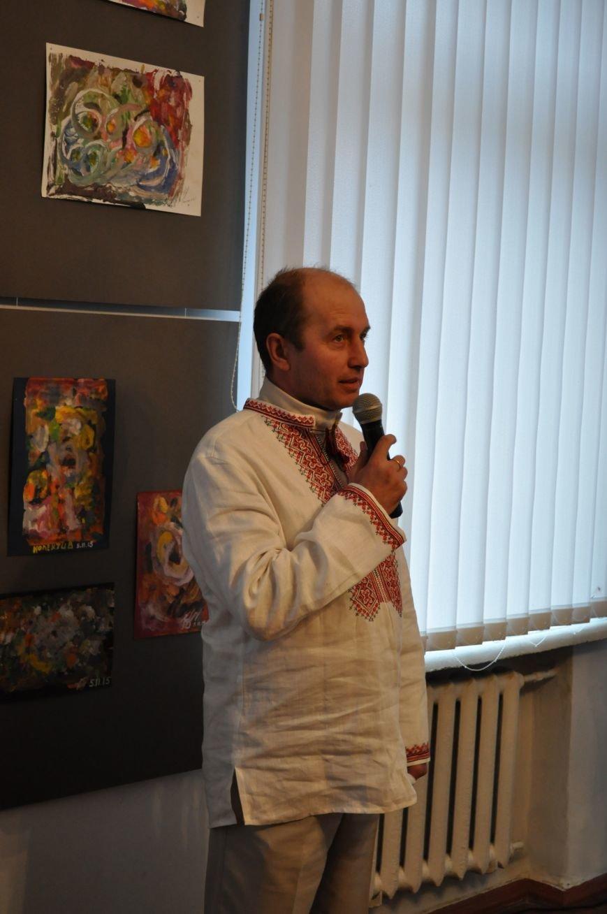 «Мистецтво жити» – виставка робіт воїнів АТО у Черкасах (ФОТО), фото-4