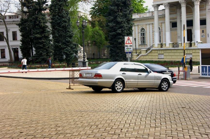 1b66a28611ab4b43c4caae5cce919e08 Кошка с дому - мыши в пляс: Одесская прокуратура после майдана оживает старой жизнью