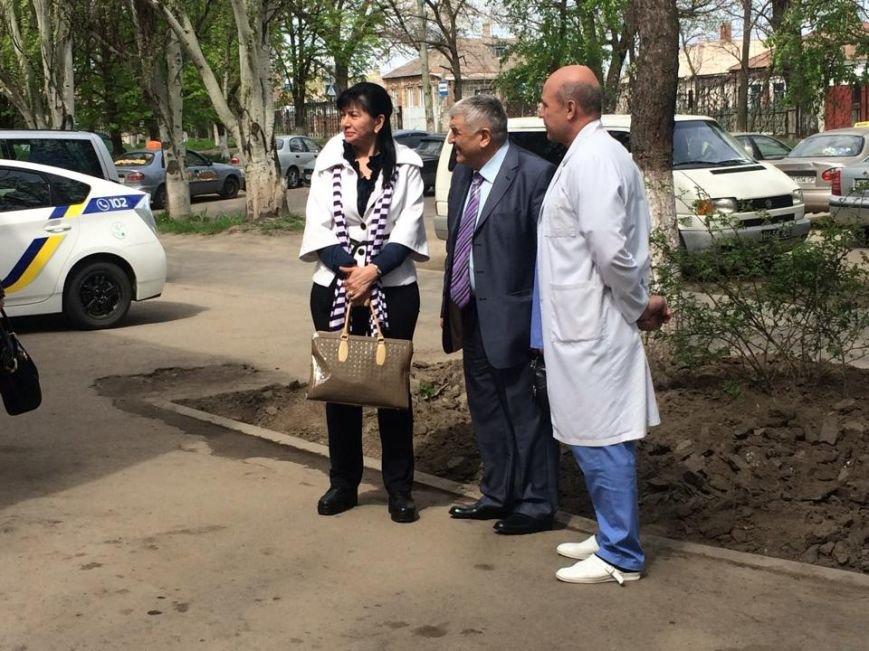 Олигарх Пантелис Бумбурас в Мариуполе доказывает, что в Греции любят украинский народ (ФОТО,ВИДЕО), фото-1