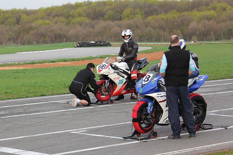В Белгороде прошёл чемпионат по шоссейно-кольцевым мотогонкам, фото-1