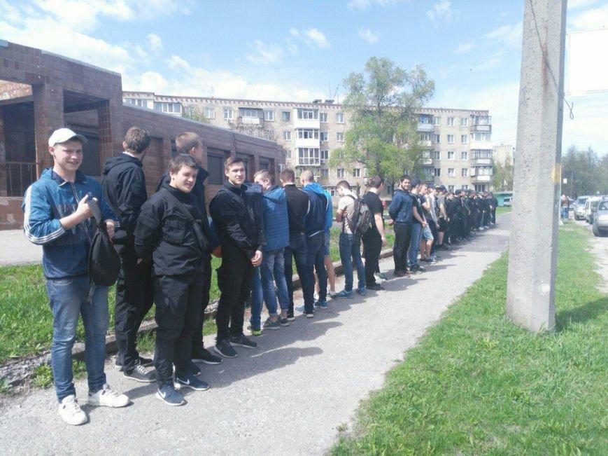 В Харькове активисты побили и облили