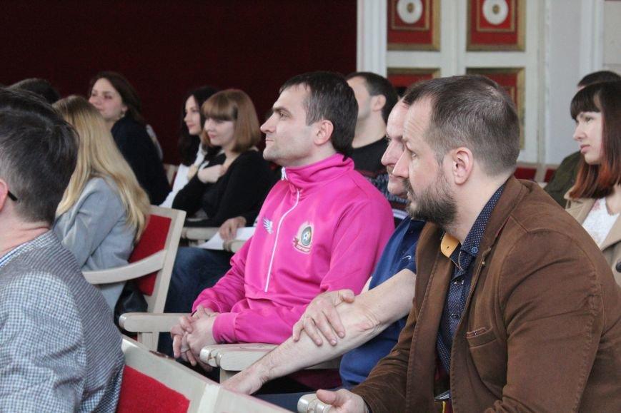 Цими вихідними Хмельницький молодіжний клуб розвитку відсвяткував своє триріччя (Фото) (фото) - фото 1