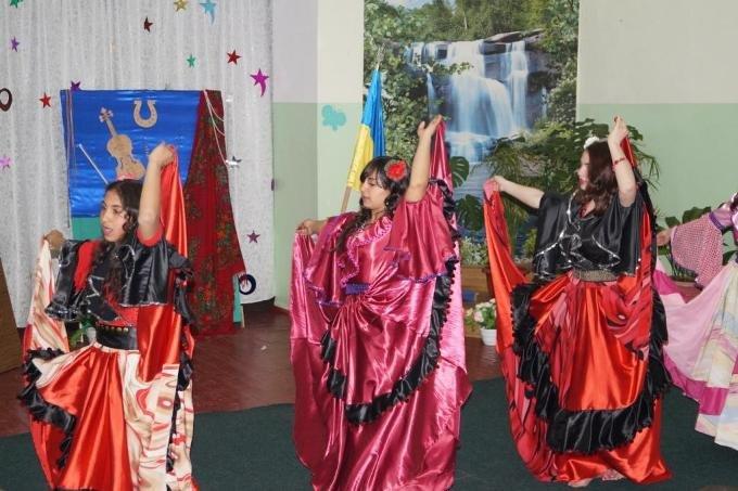На Херсонщині відзначили Всесвітній день ромів (фото) (фото) - фото 2