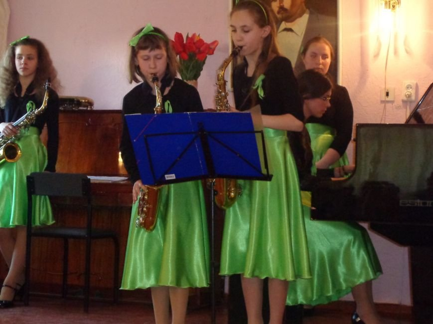От украинского фольклора до Штрауса и Вивальди: в Красноармейской музыкальной школе прошёл отчётный концерт ансамблей оркестрового отдела (фото) - фото 21