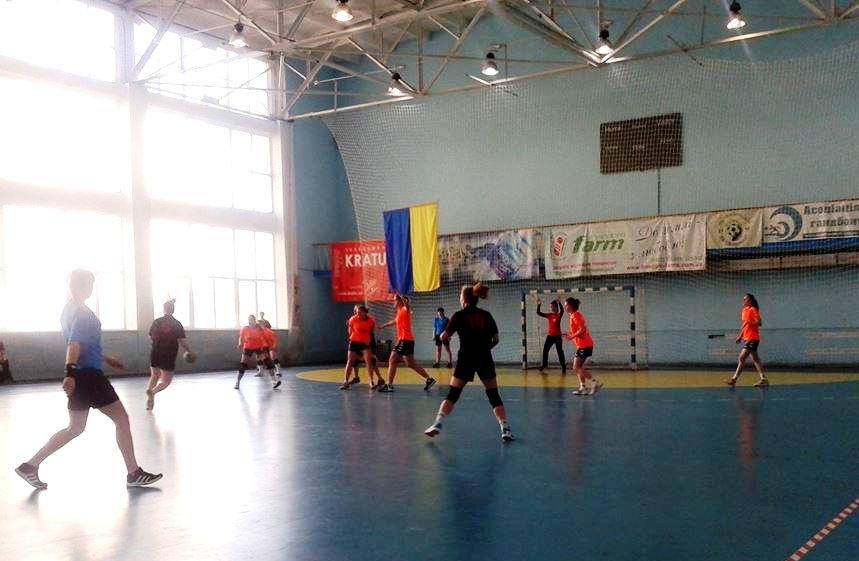 В Херсоне стартовали соревнования по гандболу среди девушек Юга Украины (фото) (фото) - фото 2