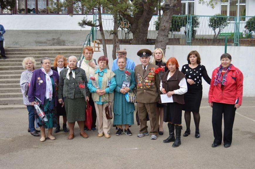 Накануне Дня освобождения Ялты от фашистских захватчков в гаспринской школе прошла линейка Памяти, фото-1