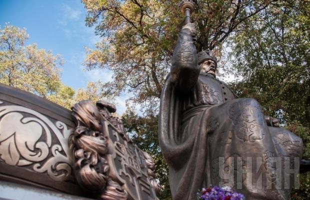 В Полтаве презентовали 2,5-тонный памятник Ивану Мазепе (ФОТО), фото-3