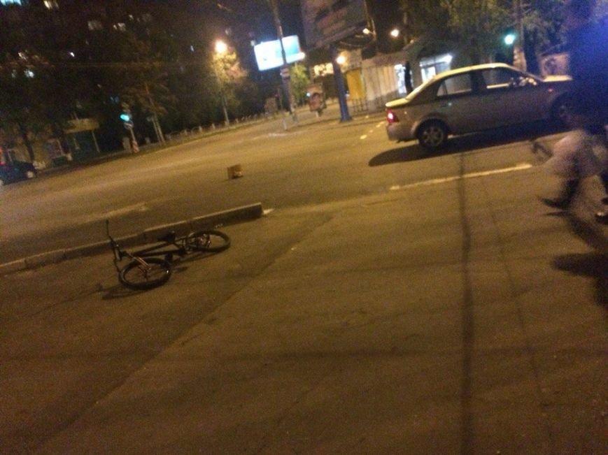 В Мариуполе пострадал ребенок-велосипедист (фото) - фото 1