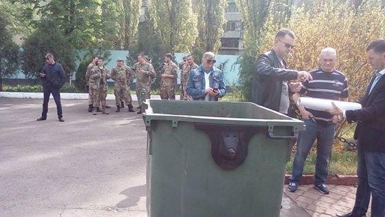 551a8e8b6f967d308356a0fef2eaac1b Новому заму Марушевской одесситы приготовили место в мусорном баке