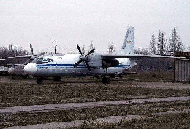 Зона отчуждения: Мертвый военный городок и кладбище самолетов под Днепропетровском (ФОТО) (фото) - фото 25